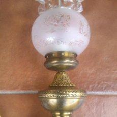 Vintage: ANTIGUA LAMPARA DE SOBREMESA EN METAL DORADO.. Lote 43592614