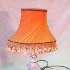 Vintage: LAMPARA DE SOBREMESA CON PIE DE PORCELANA. Lote 44090170