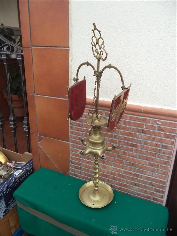 ANTIGUO VELON DE BRONCE CON ESCUDO (Vintage - Lámparas, Apliques, Candelabros y Faroles)