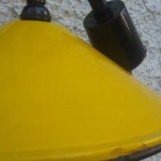 Vintage: LAMPARA DE METAL CON TULIPA ESMALTADA AMARILLA RETRO-VINTAGE INDUSTRIAL. Lote 46782206