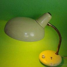 Vintage: PRECIOSO FLEXO LAMPARA VINTAGE SOBREMESA BLANCO FUNCIONANDO PERFECTO VINTAGE ORIGINAL AÑOS 60. Lote 48481839