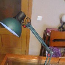Vintage: M69 LAMPARA FLEXO DE COLOR VERDE GALVANIZADO TIPO INDUSTRIAL GRAN TAMAÑO, FUNCIONA REGULABLE VINTAGE. Lote 49713088
