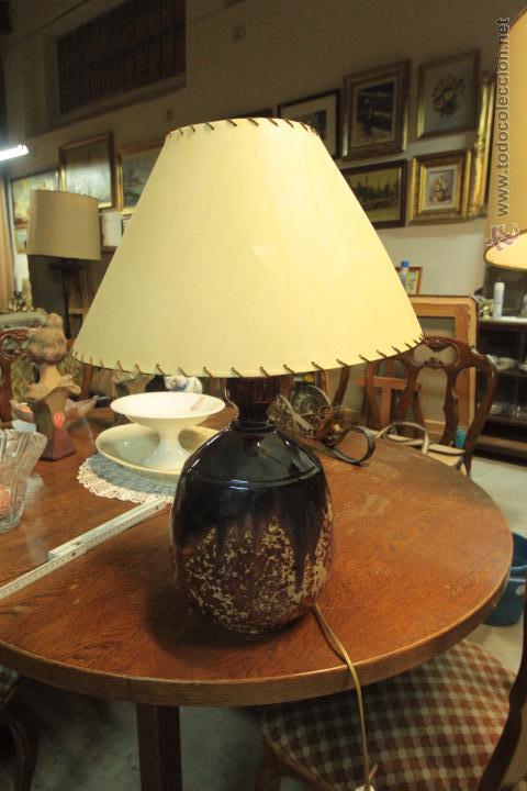 LAMPARA DE SOBREMESA CON BASE CERÁMICA, VINTAGE (Vintage - Lámparas, Apliques, Candelabros y Faroles)