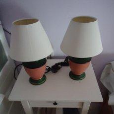 Vintage: LAMPARA DE SOBREMESA DE NOCHE. LOTE DE DOS, BASE DE CERÁMICA.. Lote 50433041
