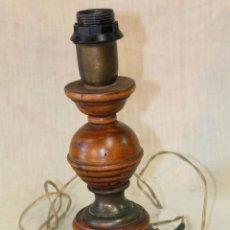 Vintage: PIE DE LAMPARA SOBREMESA EN MADERA. Lote 52424788
