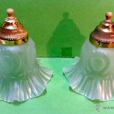Vintage: PAREJA DE LAMPARAS TECHO, METALICAS Y CON TULIPAS DE VIDRIO. AÑOS 60-70.. Lote 53098563