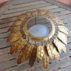 Vintage: LAMPARA DE TECHO EN METAL TIPO SOL CON TULIPA EN CRISTAL BLANCO. Lote 54906756