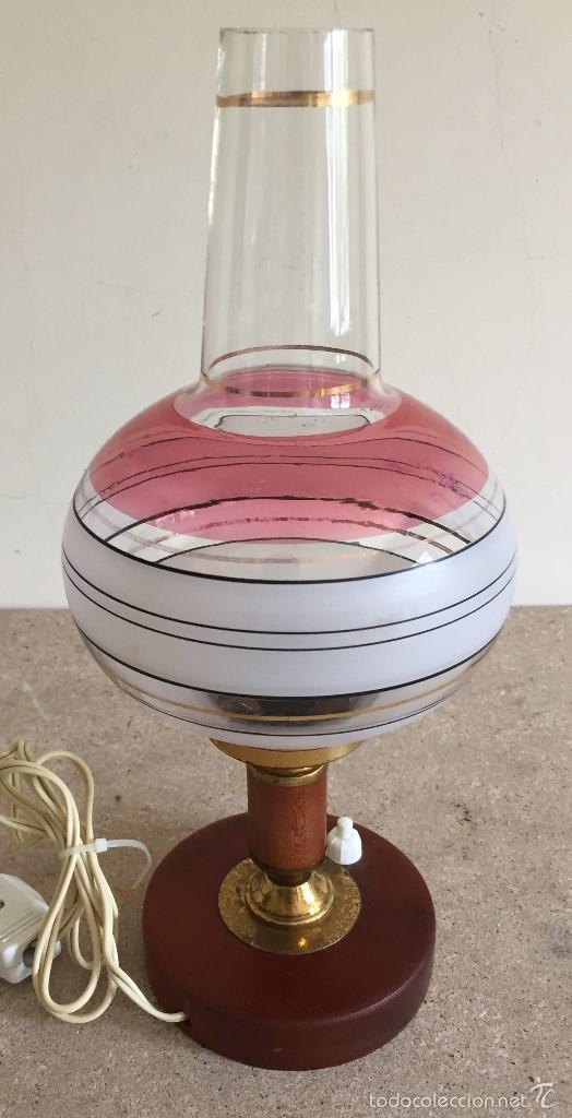 Vintage: Lámpara mesilla base madera tulipa abombada - Foto 3 - 55138386