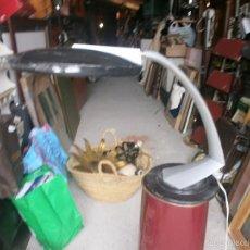 Vintage: LAMPARA FASE DE DESPACHO GRIS TULIPA NEGRA ALGO ROZADA, SIN CRISTAL NI INTERRUPTOR . VER FOTOS. Lote 55807358