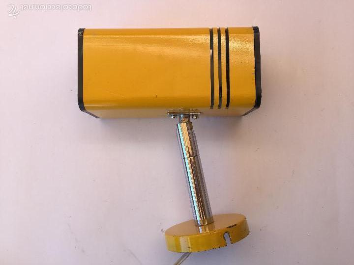 APLIQUE FOCO MARCA FASE COLOR AMARILLO BRAZO ARTICULADO CROMADO (Vintage - Lámparas, Apliques, Candelabros y Faroles)