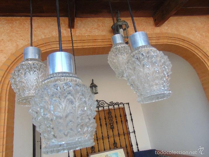 Vintage: LAMPARA DE TECHO CON 5 TULIPAS SUSPENDIDAS EN CRISTAL GRUESO MOLDEADO Y A DIFERENTES ALTURAS - Foto 9 - 57050643