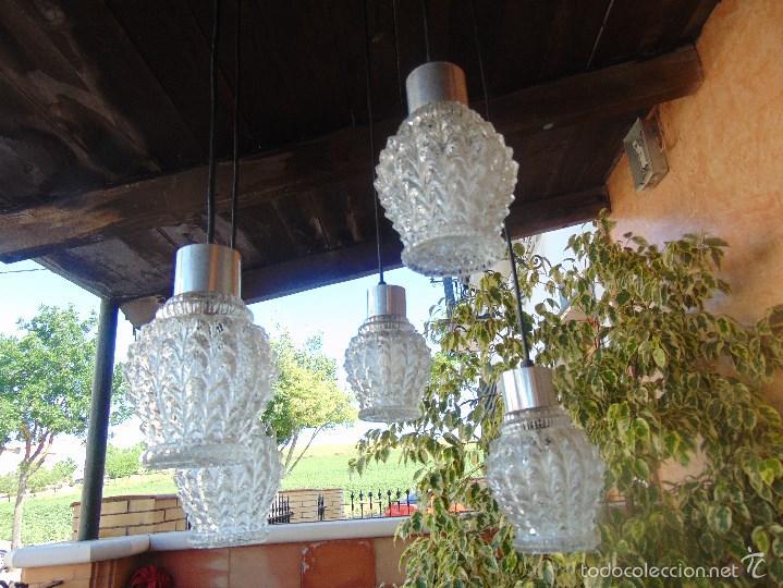 Vintage: LAMPARA DE TECHO CON 5 TULIPAS SUSPENDIDAS EN CRISTAL GRUESO MOLDEADO Y A DIFERENTES ALTURAS - Foto 10 - 57050643