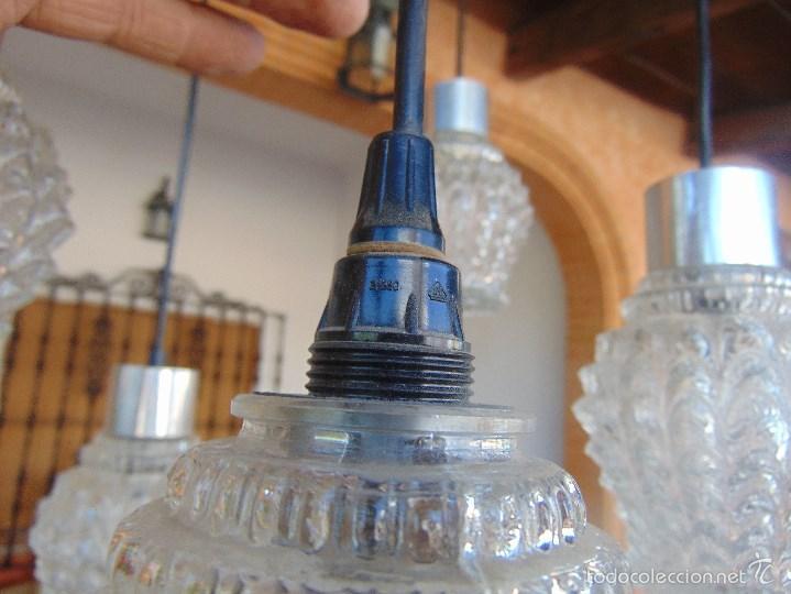 Vintage: LAMPARA DE TECHO CON 5 TULIPAS SUSPENDIDAS EN CRISTAL GRUESO MOLDEADO Y A DIFERENTES ALTURAS - Foto 14 - 57050643