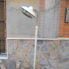 Vintage: LÁMPARA DE PIE INDÚSTRIAL, TALLERES CARRIÓN BARCELONA.. Lote 57140301