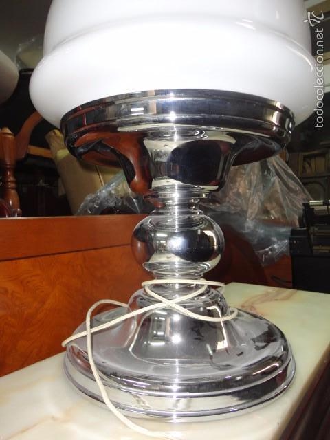 Vintage: Lámpara grande de mesa metal cromado tulipa opalina blanca - typical spanish medida 65 X 40 cm. - Foto 2 - 57531171