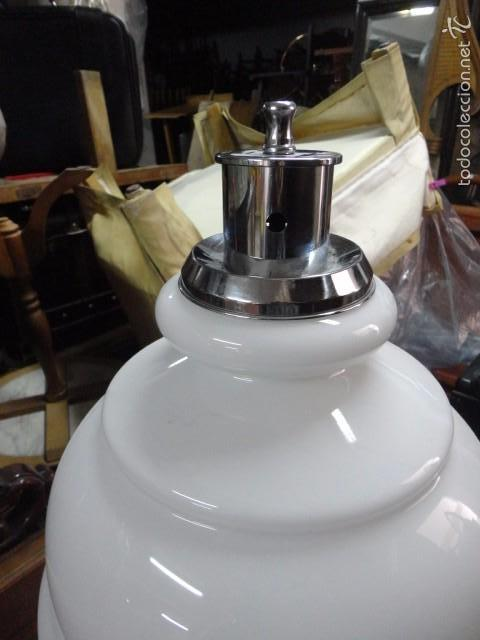 Vintage: Lámpara grande de mesa metal cromado tulipa opalina blanca - typical spanish medida 65 X 40 cm. - Foto 3 - 57531171