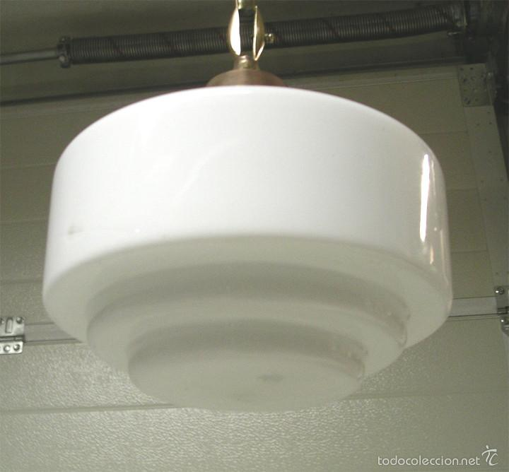 Vintage: Lampara de techo años 40 Art Decó, bronce y globo opalina. Med. 80 x 25 cm - Foto 2 - 58476013