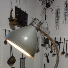 Vintage: ANTIGUA LAMPARA FLEXO SOBREMESA.RETRO VINTAGE INDUSTRIAL O DELINEANTE.AÑOS 50.60.. Lote 60886567