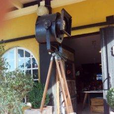 Vintage: ANTIGUO FOCO DE TEATRO SOBRE TRIPODE. Lote 61173779