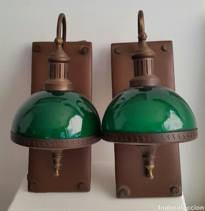 PAREJA DE LAMPARAS APLIQUES QUINQUE OPALINA VERDE (Vintage - Lámparas, Apliques, Candelabros y Faroles)