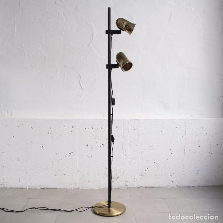Lámpara De Pie Fase Dorada Con Dos Focos Orient Comprar Lámparas