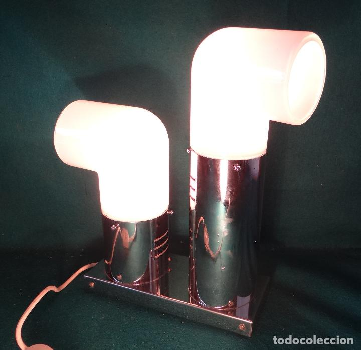 Vintage: LAMPARA CROMADA MESA VINTAGE. DISEÑO 1970. SPACE AGE. FUNCIONAMIENTO. - Foto 2 - 68247869