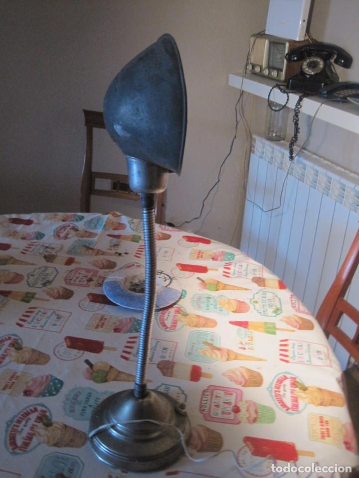 GRAN LAMPARA FLEXO MUY ANTIGUA INDUSTRIAL VINTAGE 50CM (Vintage - Lámparas, Apliques, Candelabros y Faroles)
