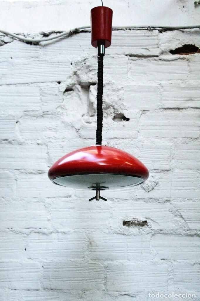 LAMPARA FASE DE TECHO ROJA TRANSPORTE GRATIS COMUNIDAD DE MADRID (Vintage - Lámparas, Apliques, Candelabros y Faroles)