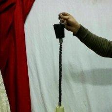 Vintage: LAMPARA DE TECHO VINTAGE AMARILLA EN PVC QUE SUBE Y BAJA. Lote 71170197