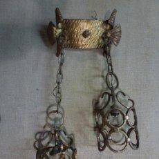 Vintage: LAMPARA DE COLGAR, EN HIERRO FORJADO Y DORADO. Lote 72927631