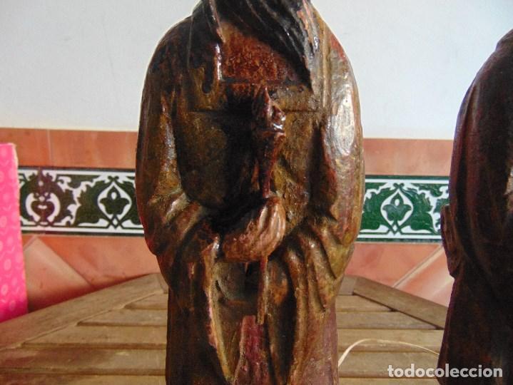 Vintage: PAREJA DE LAMPARAS DE SOBREMESA TALLADAS EN MADERA PERSONAJES ORIENTALES - Foto 3 - 75307135