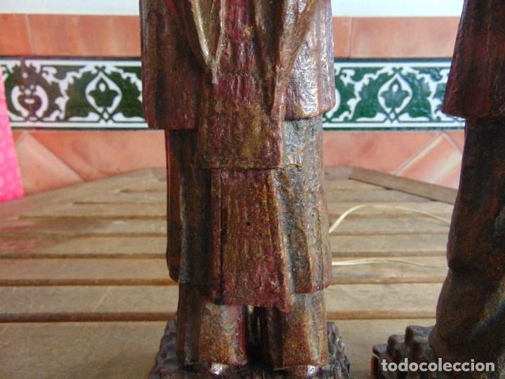 Vintage: PAREJA DE LAMPARAS DE SOBREMESA TALLADAS EN MADERA PERSONAJES ORIENTALES - Foto 4 - 75307135
