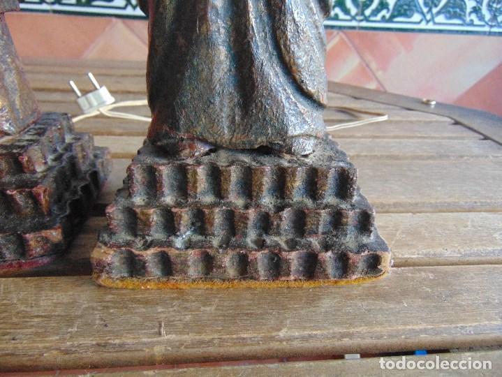 Vintage: PAREJA DE LAMPARAS DE SOBREMESA TALLADAS EN MADERA PERSONAJES ORIENTALES - Foto 6 - 75307135