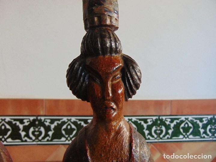 Vintage: PAREJA DE LAMPARAS DE SOBREMESA TALLADAS EN MADERA PERSONAJES ORIENTALES - Foto 9 - 75307135