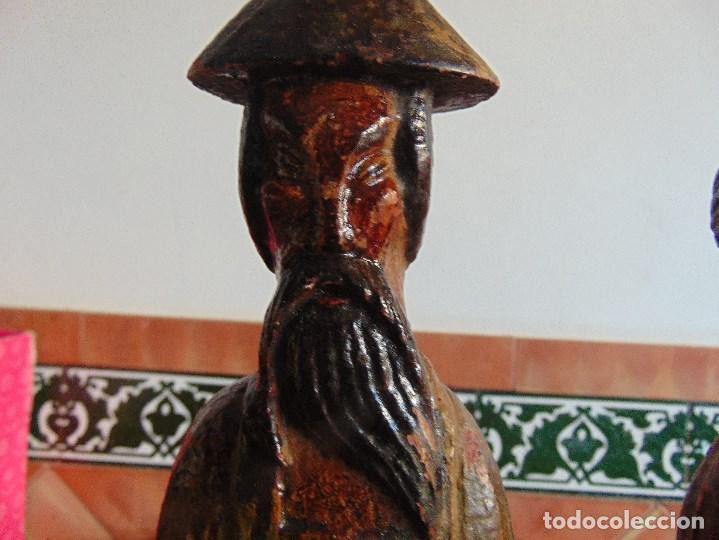 Vintage: PAREJA DE LAMPARAS DE SOBREMESA TALLADAS EN MADERA PERSONAJES ORIENTALES - Foto 12 - 75307135