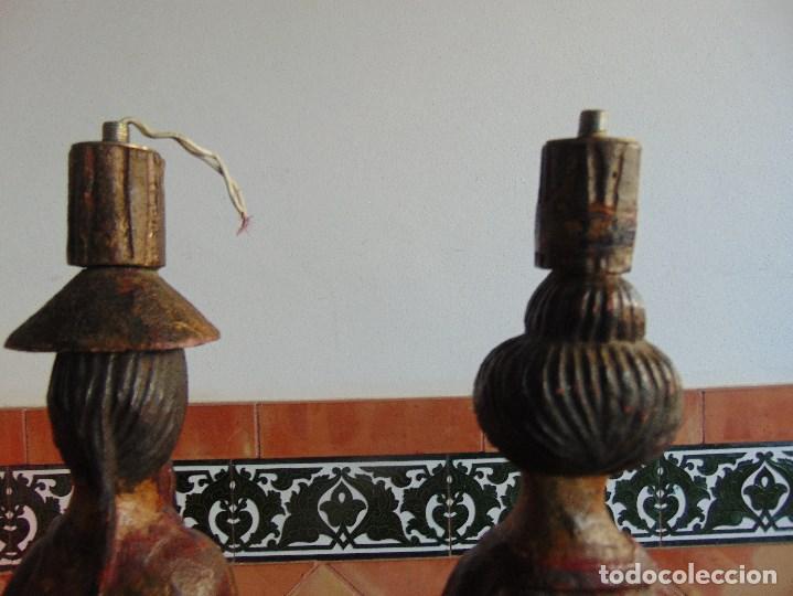 Vintage: PAREJA DE LAMPARAS DE SOBREMESA TALLADAS EN MADERA PERSONAJES ORIENTALES - Foto 14 - 75307135