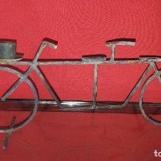 Vintage: BICICLETA TÁNDEM EN FORJA. CANDELABRO.. Lote 287982333