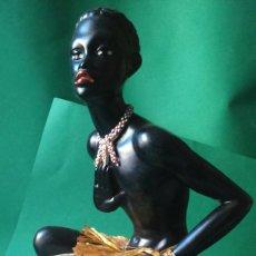 Vintage: FANTASTICA Y RARA LAMPARA DE ESTUCO CON FIGURA AFRICANA AÑOS 50 / 60. Lote 79094137