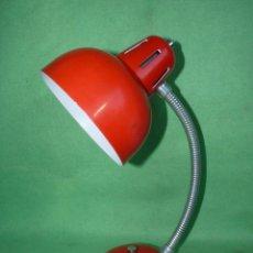 Vintage: PRECIOSO FLEXO LAMPARA VINTAGE SOBREMESA ROJO REVISADO FUNCIONANDO PERFECTO VINTAGE AÑOS 60. Lote 80062401