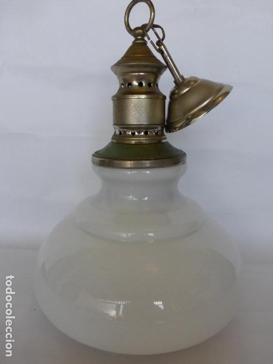 ANTIGUA LÁMPARA VINTAGE EN OPALINA BLANCA CON FABULOSO DISEÑO ORIGINAL AÑOS 60 Ó 70 - BUEN ESTADO - (Vintage - Lámparas, Apliques, Candelabros y Faroles)