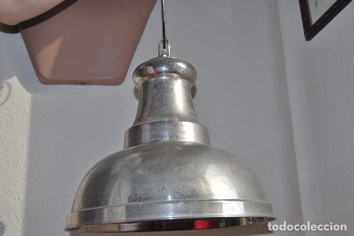 Vintage: LÁMPARA DE TECHO - FOCO DE METAL - DISEÑO INDUSTRIAL - AÑOS 70 - Foto 4 - 83053484