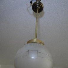 Vintage: LAMPARA DECO VINTAGE. TULIPA GLOBO ESMERILADO. FUNCIONAMIENTO.. Lote 83738684
