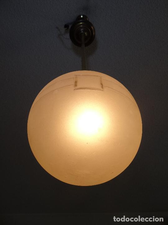 Vintage: LAMPARA DECO VINTAGE. TULIPA GLOBO ESMERILADO. FUNCIONAMIENTO. - Foto 5 - 83738684