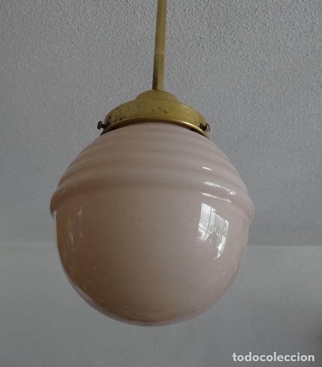Vintage: LAMPARA DECO VINTAGE. TULIPA GLOBO OPALINA ROSA. FUNCIONAMIENTO. - Foto 2 - 83742912