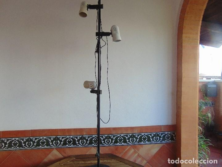 LAMPARA DE PIE DE LA MARCA FASE CON 4 FOCOS ORIENTABLES (Vintage - Lámparas, Apliques, Candelabros y Faroles)
