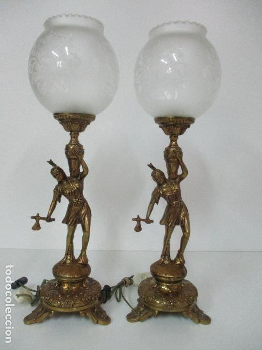 Vintage: Pareja de Lámparas Sobremesa - Lámpara - Bronce, Cincelado -Tulipa de Cristal -51 cm Altura -Años 60 - Foto 2 - 85701076