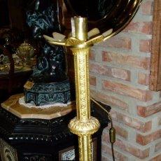 Vintage: CANDELABRO ANTIGUO DE BRONCE NEOGÓTICO. Lote 86151784