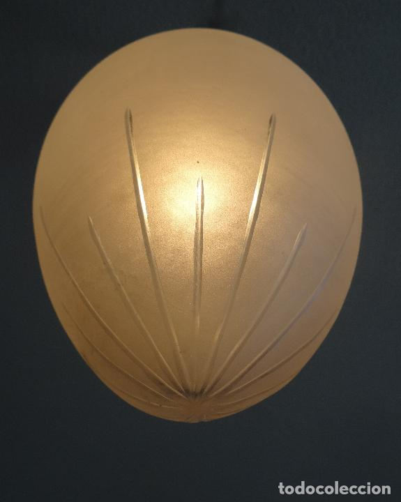 Vintage: LAMPARA VINTAGE. ART DECO.. TULIPA GLOBO ESMERILADO TALLADO. FUNCIONAMIENTO. - Foto 8 - 89250708