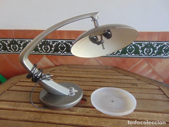 LAMPARA DE SOBREMESA DE LA MARCA FASE CON DIFUSOR NO SE VENDE SUELTO. (Vintage - Lámparas, Apliques, Candelabros y Faroles)