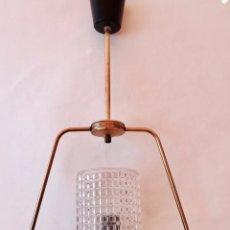 Vintage: LAMPARA DE TECHO ROCKABILLY EN METAL DORADO CRISTAL Y MADERA AÑOS 50 SHABBY CHIC. Lote 91850285